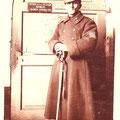 """28 avril 1924 - """"L'habit ne fait pas le moine"""" - OS habillé en colonel !"""