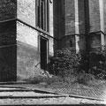 Eglise Saint-Nicolas - escalier menant à la rue de l'Eglise