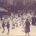 28 juin 1931 - Congrès eucharistique à Nivelles-cortège sur la Grand-Place