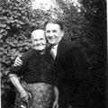 1932 - Avec son fils Octave