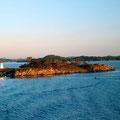 Einsame Inseln mit den markanten Leuchtzeichen.