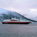 Dann ist sie da, die MS Polarlys in Sortland.