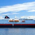 Im Hafen von Bodø erwartet uns die MS Kong Harald.