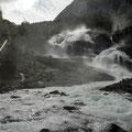 Der Tveitafoss direkt am Kraftwerk ist der erste Wasserfall.