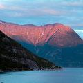 Sonnenuntergang am Hardangerfjord.