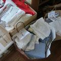 施設用に使い捨て布等の製作