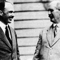 W.L Bragg con su padre Sir William Henry Bragg (Nobel Física 1915 por estudios sobre la estructura del cristal por Difracción de Rayos X)