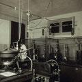 Aparato de Rayos X en el Instituto Nacional de Física y Química hacia 1935