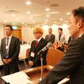 初入会式のEMC委員長石飛Y