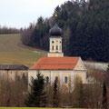 Kirche Martinsneukirchen 1km entfernt