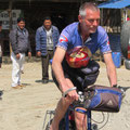"""Peter fährt die """"letzten"""" ca. 40km per Rad"""