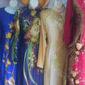 reich bestickte Kleider