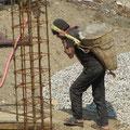 Bauarbeiten auch am Wegrand
