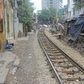 Die Eisenbahnlinie nach Sapa - mitten durch Hanoi