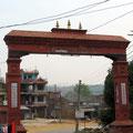 wir verlassen Gorkha durchs Stadttor