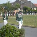 Oberst Günter Pohlschmidt und Vogelträger Hannes Wienker