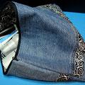"""""""Jeanstäschle blau-schwarz"""", Seitenansicht, 32 x 23cm mit 4 Innentaschen"""