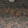 erhöhtes Fundament für den Altarbereich