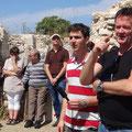 Bengt Wedemalm spricht in den Ruinen von Troas