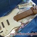 Бас-гитара Ванильный бисквит, суфле птичье молоко, шоколадная глазурь. Отделка – мастика