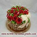 Корзина красных роз для любимой мамы Шоколадный бисквит, безе с миндалем, Шарлотт, миндаль в карамели. Мастика 3,6кг