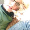 Karla und eine der Katzen