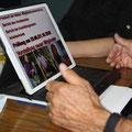 Digital durch die Versammlung
