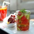 Melonen-Gazpacho,Melonen-Gurken-Salat mit Mohndressing und Chorizo in Rotwein
