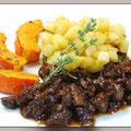 Entenragout mit Linsen-Bratkartoffel-Salat und Gewürzkürbis