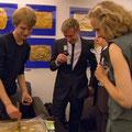 """Handabdrücke, VIP-Raum, Weltpremiere """"Das Blaue vom Himmel"""" am 30.5.2011"""