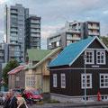 Stadtbild Reykjavik - Kontrast Neubauten und Altbauten