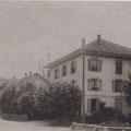 1936–1952 war das Haus ein Kolonialwarengeschäft und Raiffeisenkasse.