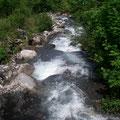 Erfrischender Bach Nähe Oltscherenwasserfall