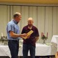 Peter Schneider wurde für 20jährige Vorstandsarbeit mit dem Ehrenbrief und der Ehrennadel des SBSB geehrt
