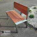 Edelstahlmöbel - Gartenbank aus Edelstahl und witterungsbeständigem Kempasholz (© Raven Metall Design)