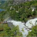 Spaziergang den Wasserfall hinauf