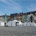 Die kleinen Strandhäuser sieht man überall
