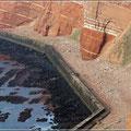 Betonmauern sollen die Insel schützen