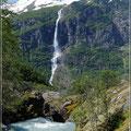 Wasserfall aus der Ferne