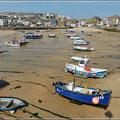 Bei Ebbe wird der Hafen zum Strand