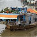 Wohnschiff im Delta