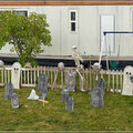 Helloween macht es möglich, ein eigener Friedhof vor dem Haus