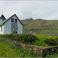 Kirchen gibt es in jedem Dorf, hier in Hellurnar