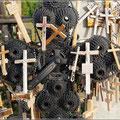 Kreuz aus Fahrradteilen