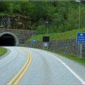 Durch den längsten Straßentunnel der Welt (Mautfrei)