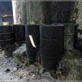 Wasser wird mit kerosingetränkten Lappen erhitzt