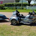 Interessantes Motorradgespann