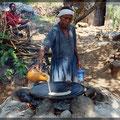 Hier wird Injera frisch gebacken