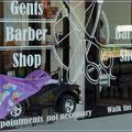 Extrastuhl für Kinder beim Friseur