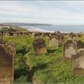 Friedhof mit alten Grabsteinen